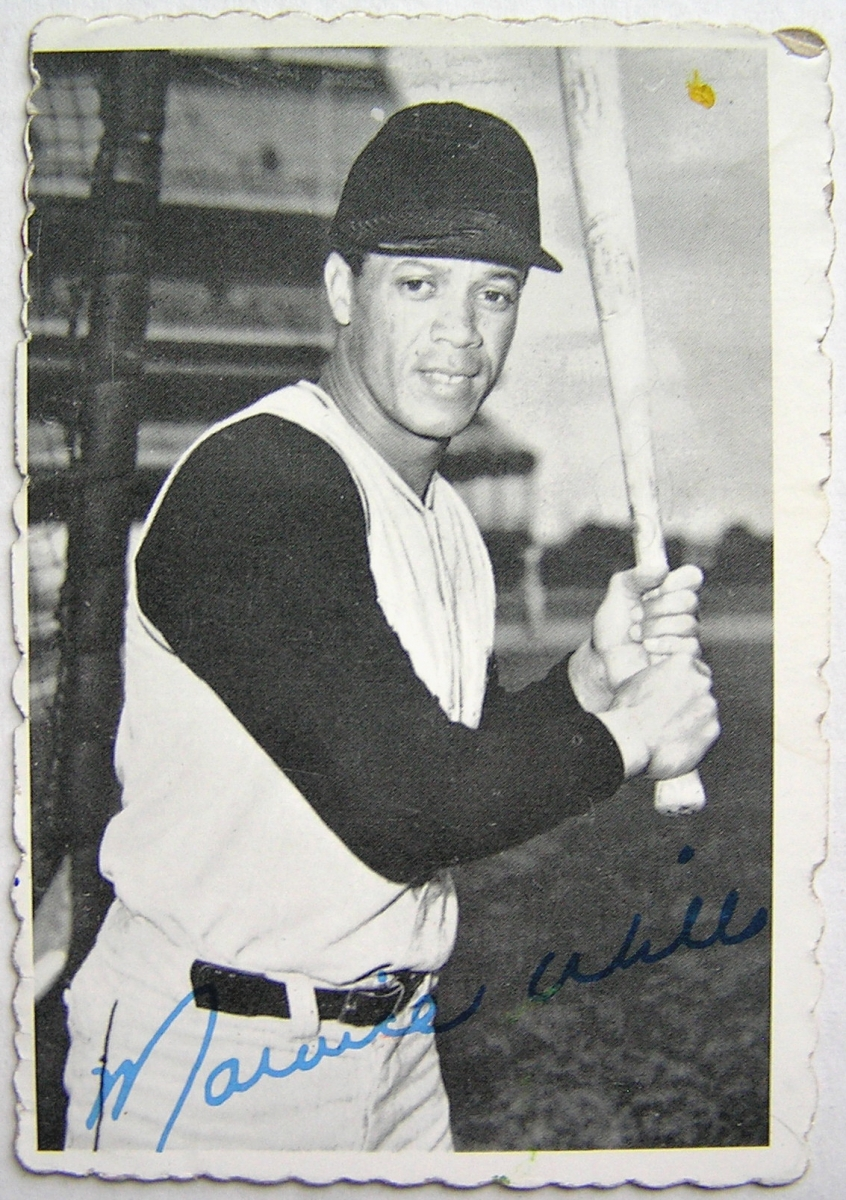 1969 Topps Deckle Edge 24 Maury Wills Montreal Ex